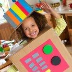 Usar la imaginación para crear juguetes
